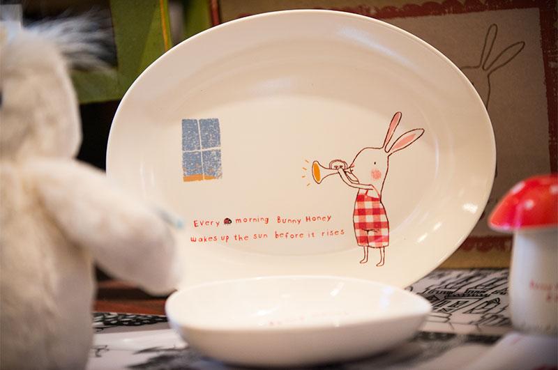 Maileg Children's Bunny Honey melamine dish.